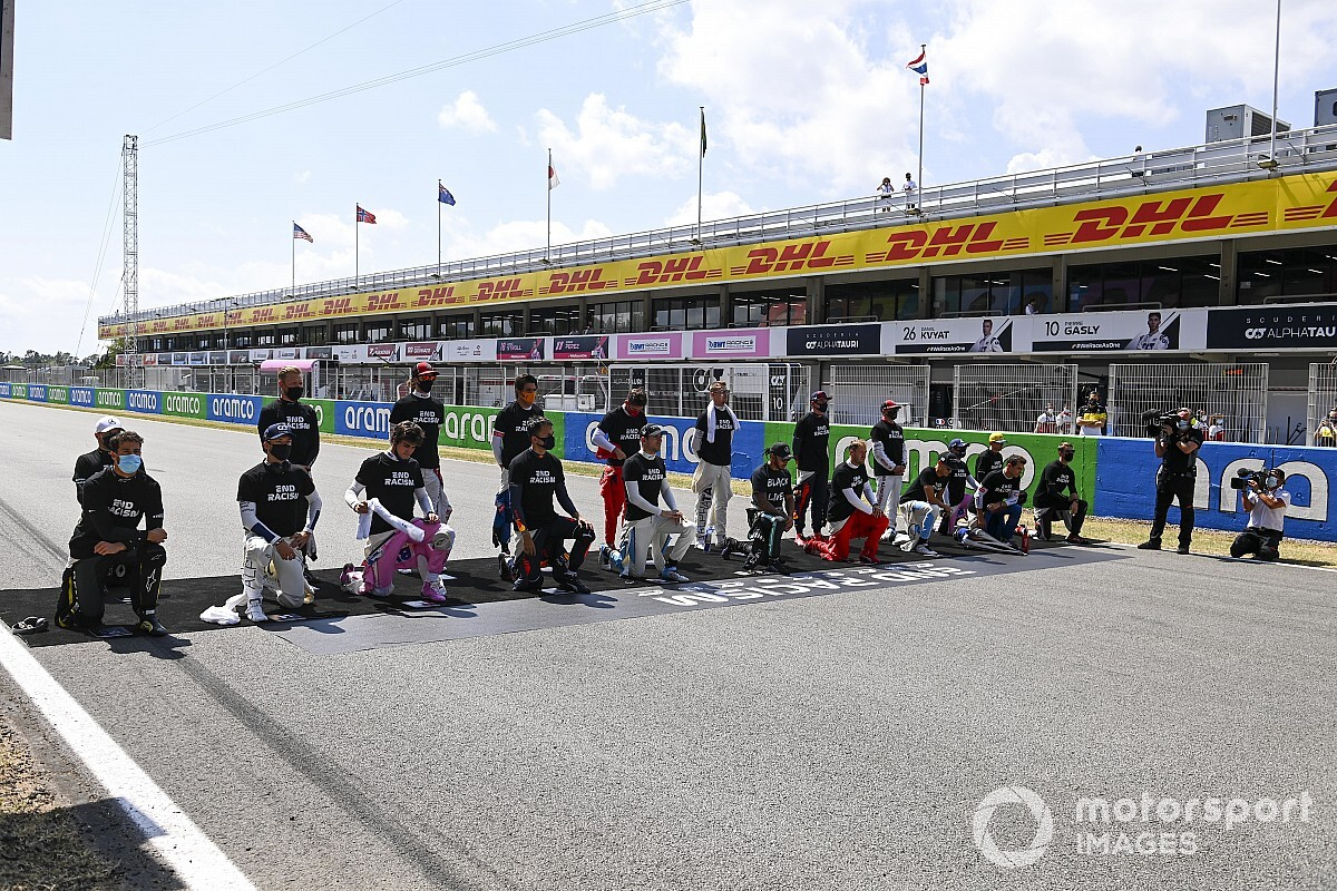 F1 drivers free to take a knee on 2021 race grids - Motor Informed