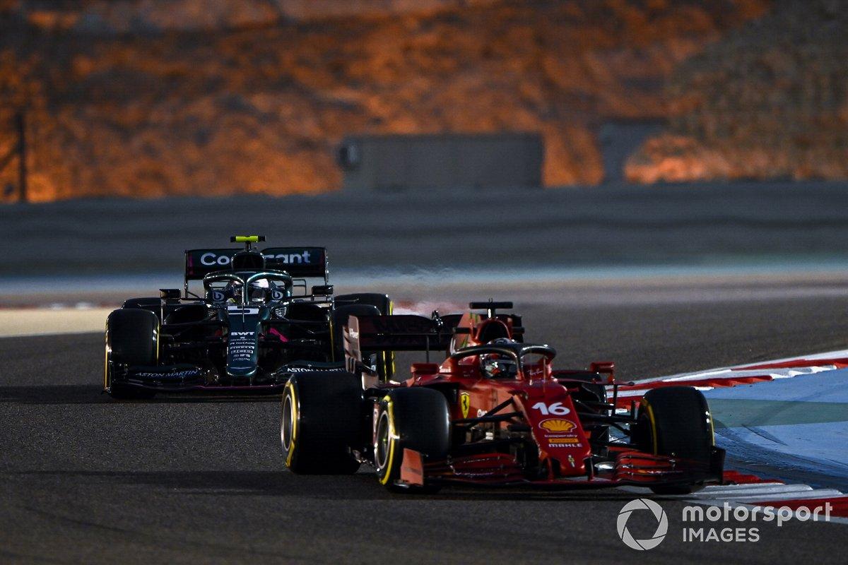 Charles Leclerc, Ferrari SF21, Sebastian Vettel, Aston Martin AMR21
