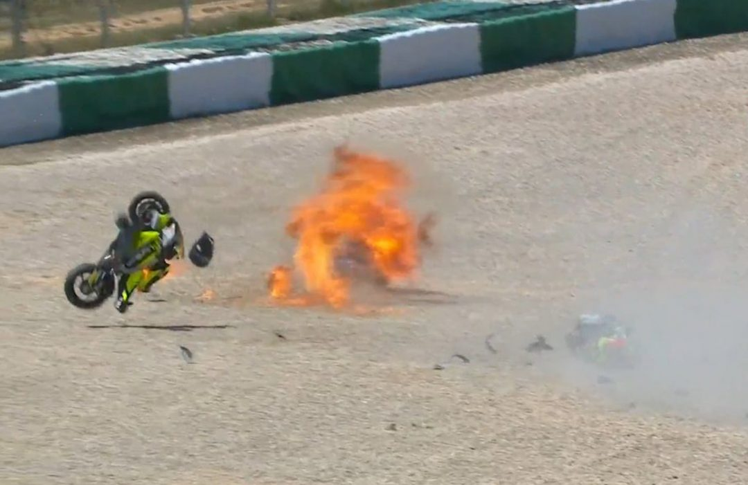 VIDEO Moto2 Portimao: The pictures of the race, Manzi-Montella moments of worry - Motor Informed