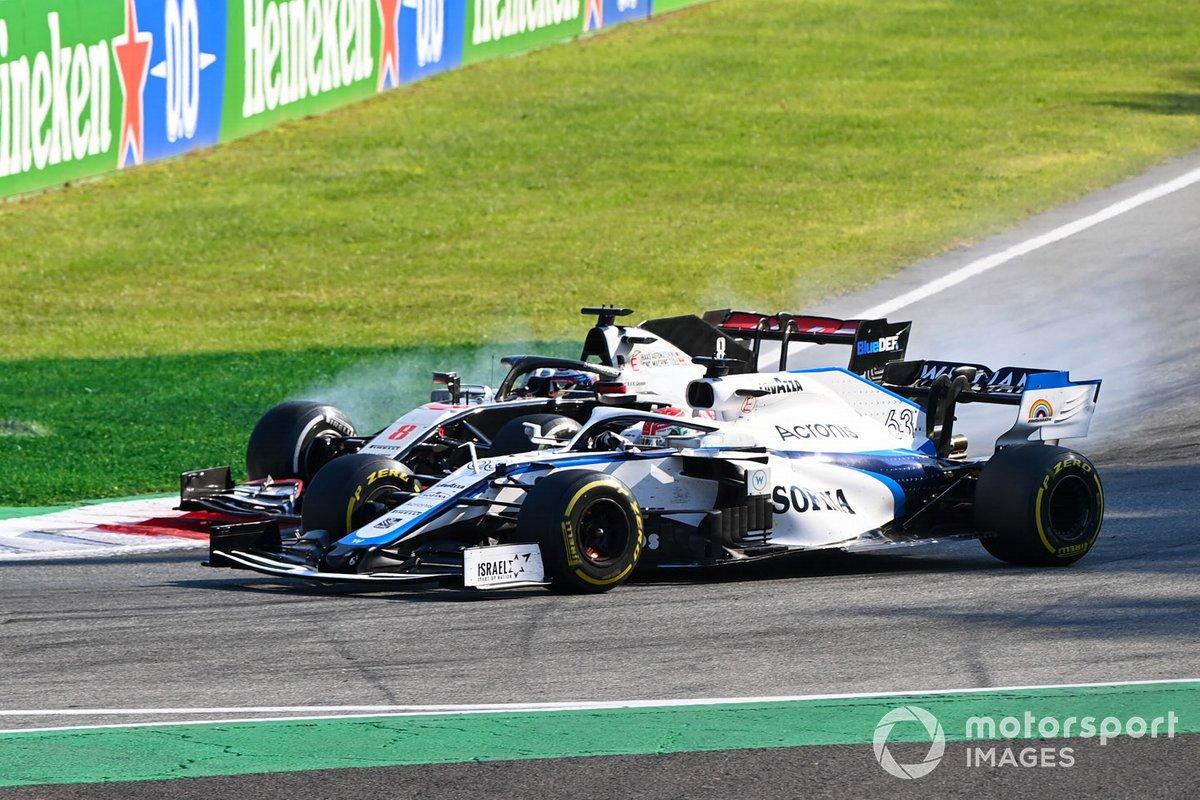 George Russell, Williams FW43 overtakes Romain Grosjean, Haas VF-20 whislt he overtakes