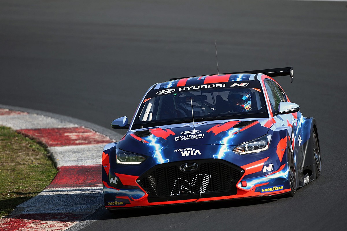 Tom Chilton joins Hyundai for inaugural Pure ETCR marketing campaign - Motor Informed