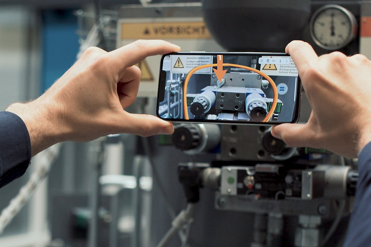 Mercedes hopes to search out F1 good points from augmented actuality push - Motor Informed