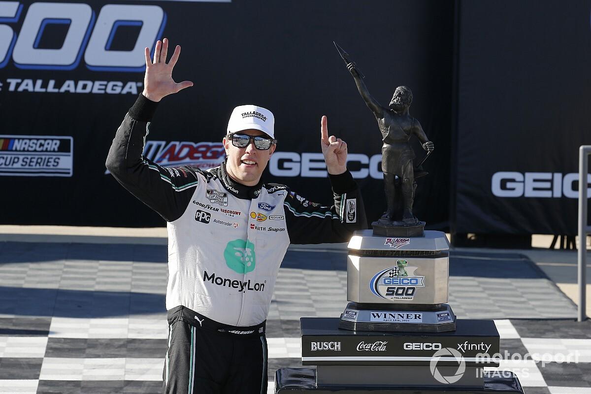 NASCAR Talladega: Keselowski wins last-lap thriller - Motor Informed