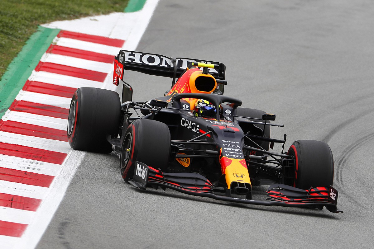 "Pink Bull ""desperately wants"" Pérez to beat Mercedes - Motor Informed"
