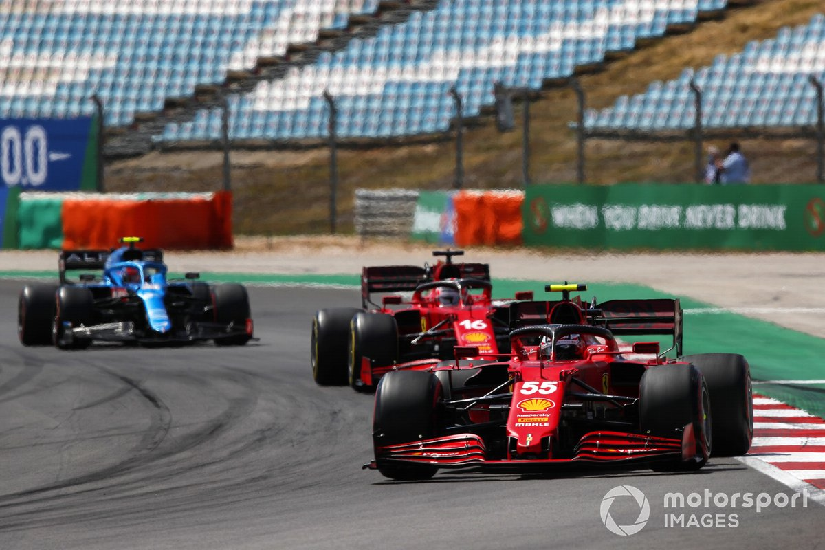 Carlos Sainz Jr., Ferrari SF21, Charles Leclerc, Ferrari SF21, and Esteban Ocon, Alpine A521