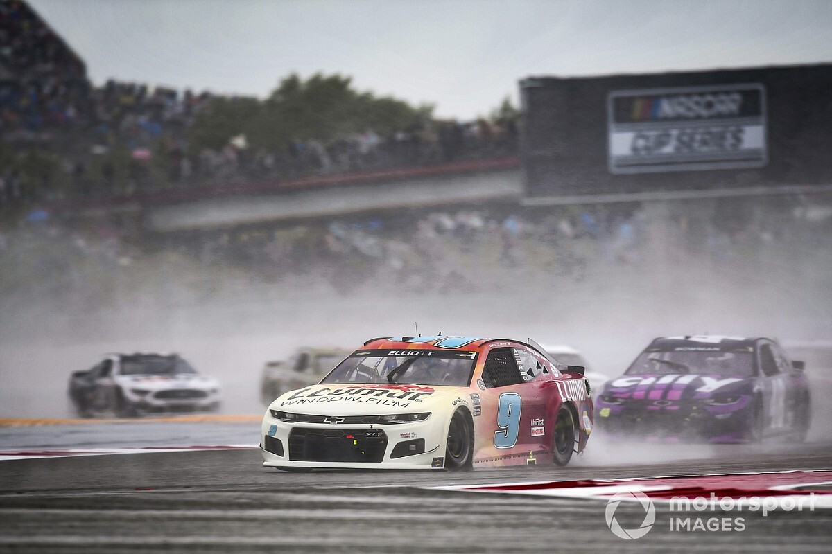 Why NASCAR can not seem to win when racing within the rain - Motor Informed