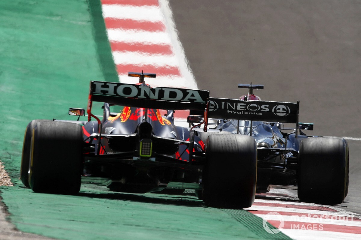 """Montoya: Observe limits making F1 title battle """"too controversial"""" - Motor Informed"""
