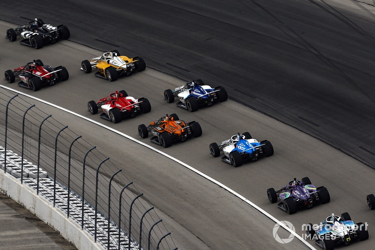 One-lane Texas 'not superb' with ice-like floor - Rahal - Motor Informed