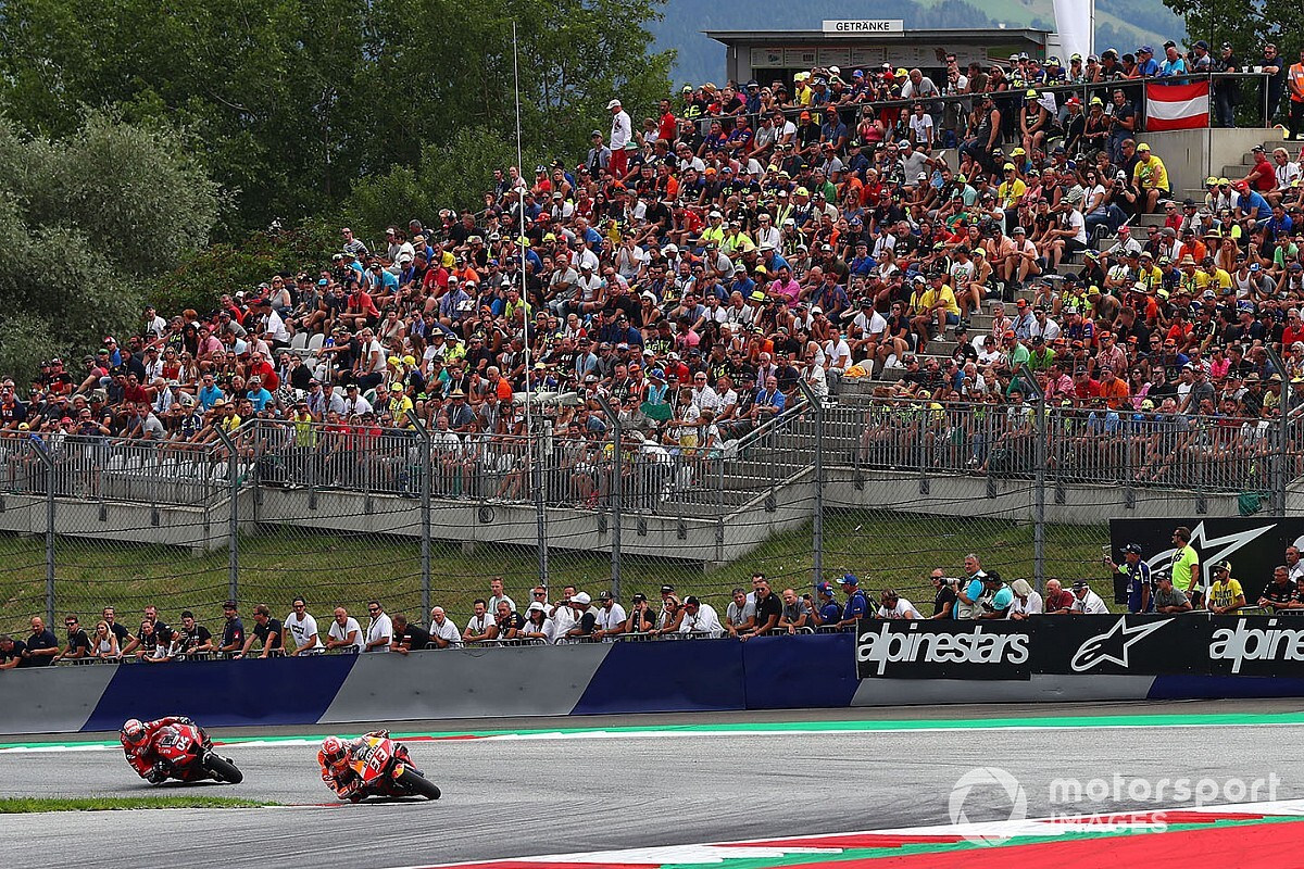 Grandstands at full capability for each races in Austria - Motor Informed
