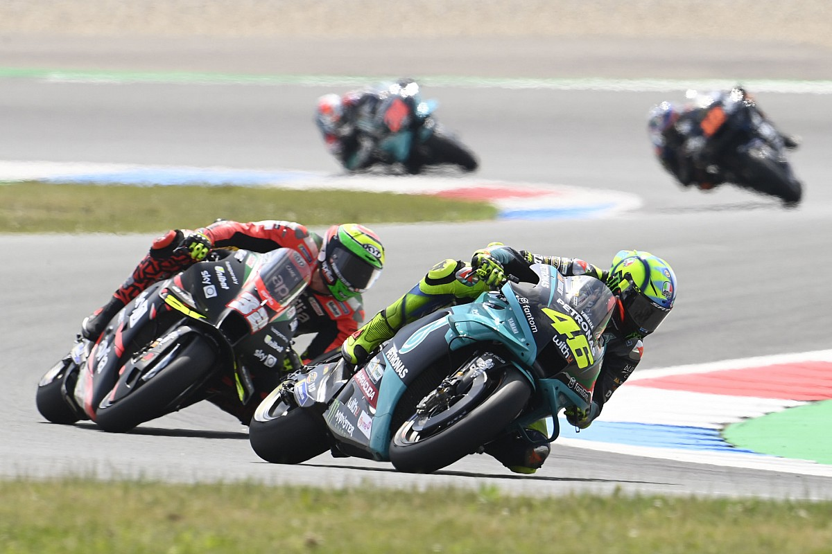 """Valentino Rossi doesn't """"perceive very nicely"""" his fall - Motor Informed"""