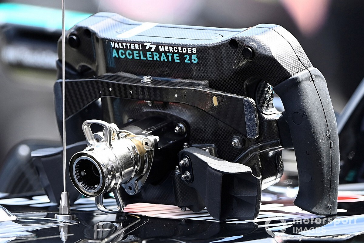 Which button did Hamilton activate by mistake and what's it for? - Motor Informed