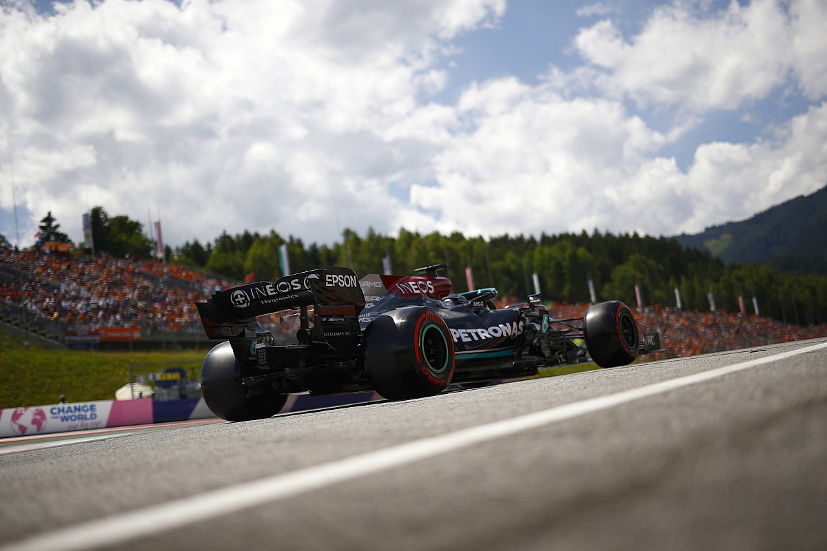 Hamilton predicts 'straightforward win' for Verstappen - Motor Informed