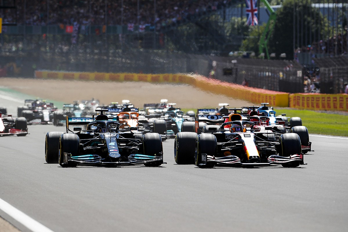 "Palou: Verstappen, Hamilton ""did what I might do"" in F1 British GP crash - Motor Informed"