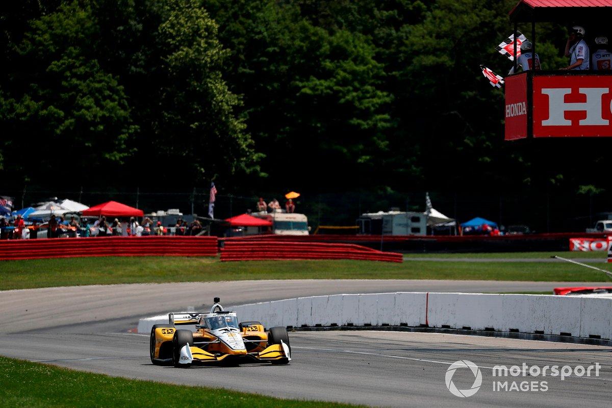 Josef Newgarden, Team Penske Chevrolet takes the chequered flag