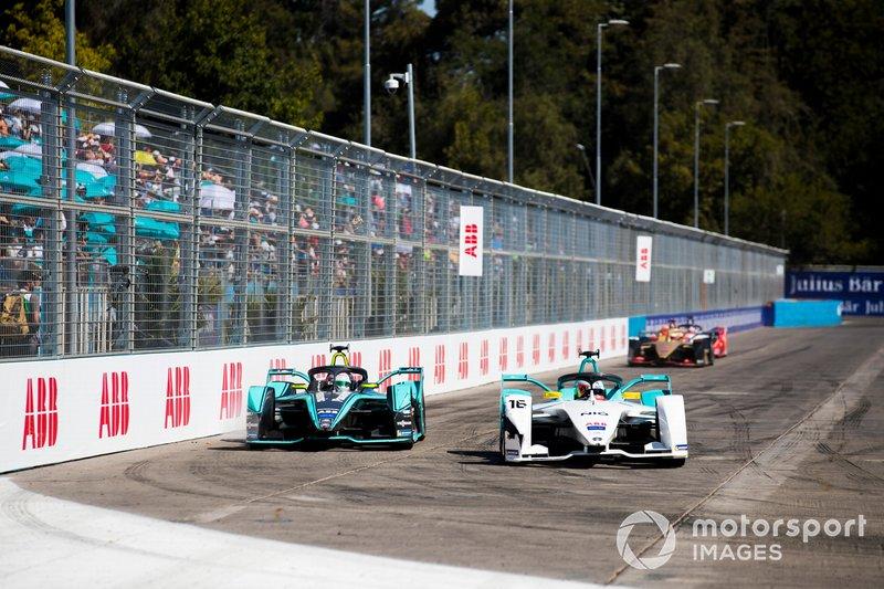 Oliver Turvey, NIO Formula E Team, NIO Sport 004 Nelson Piquet Jr., Jaguar Racing, Jaguar I-Type 3