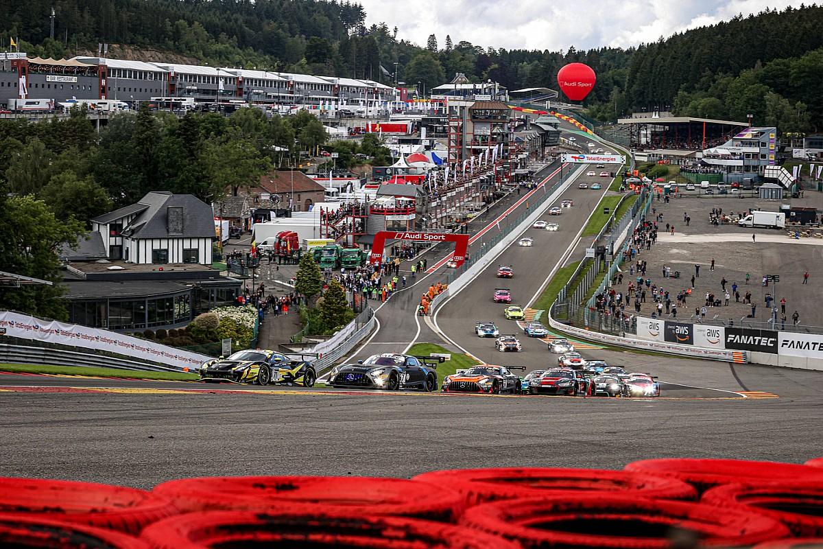 After his accident, Aitken needs a change in Spa - Motor Informed