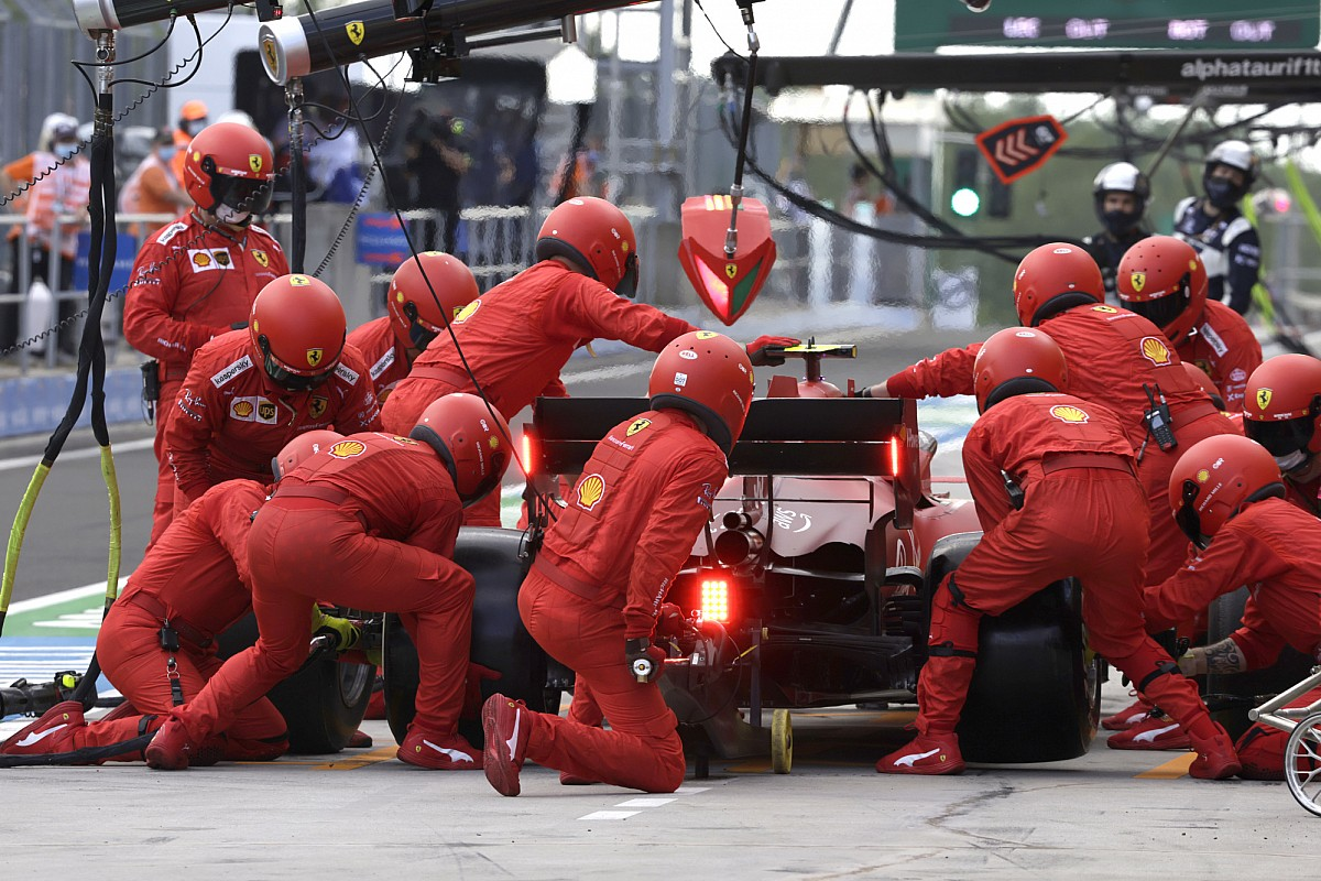 Ferrari did not make a 'mistake' by calling Sainz to the pit too early - Motor Informed
