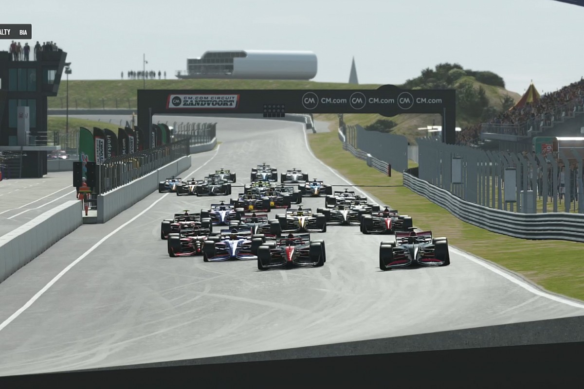 Components Professional Collection: Huis cruises to the Drivers' Championship at house race - Motor Informed