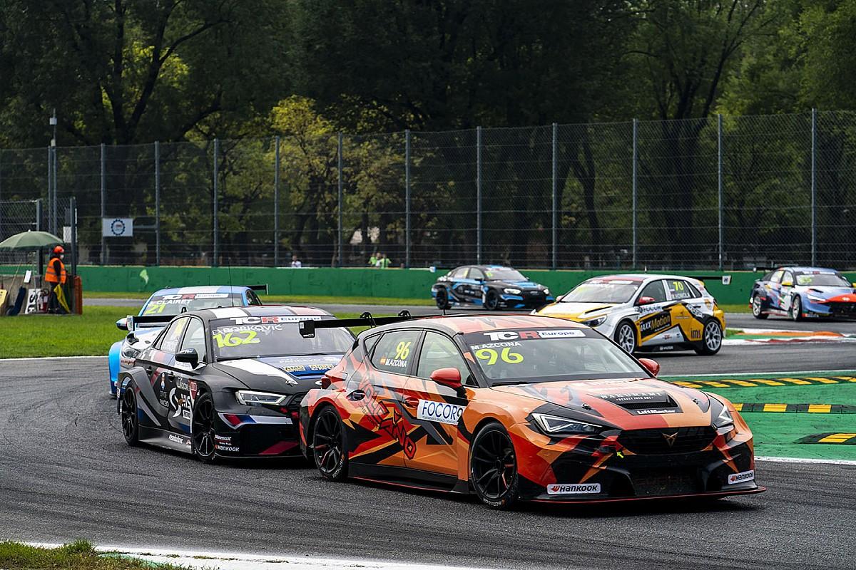 TCR Europe title bid boosts Azcona's WTCR problem - Motor Informed