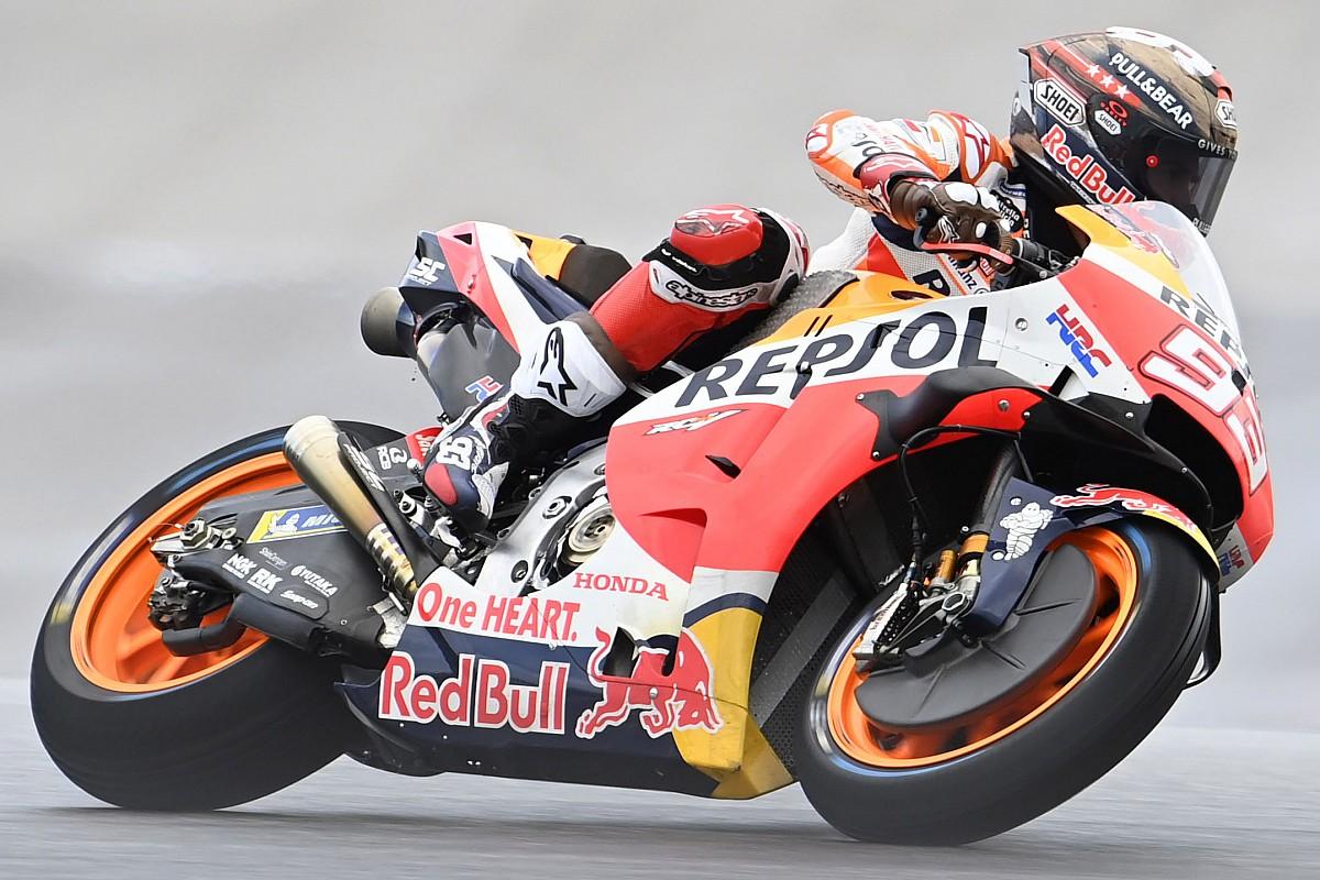 Marquez dominates on moist monitor - Motor Informed