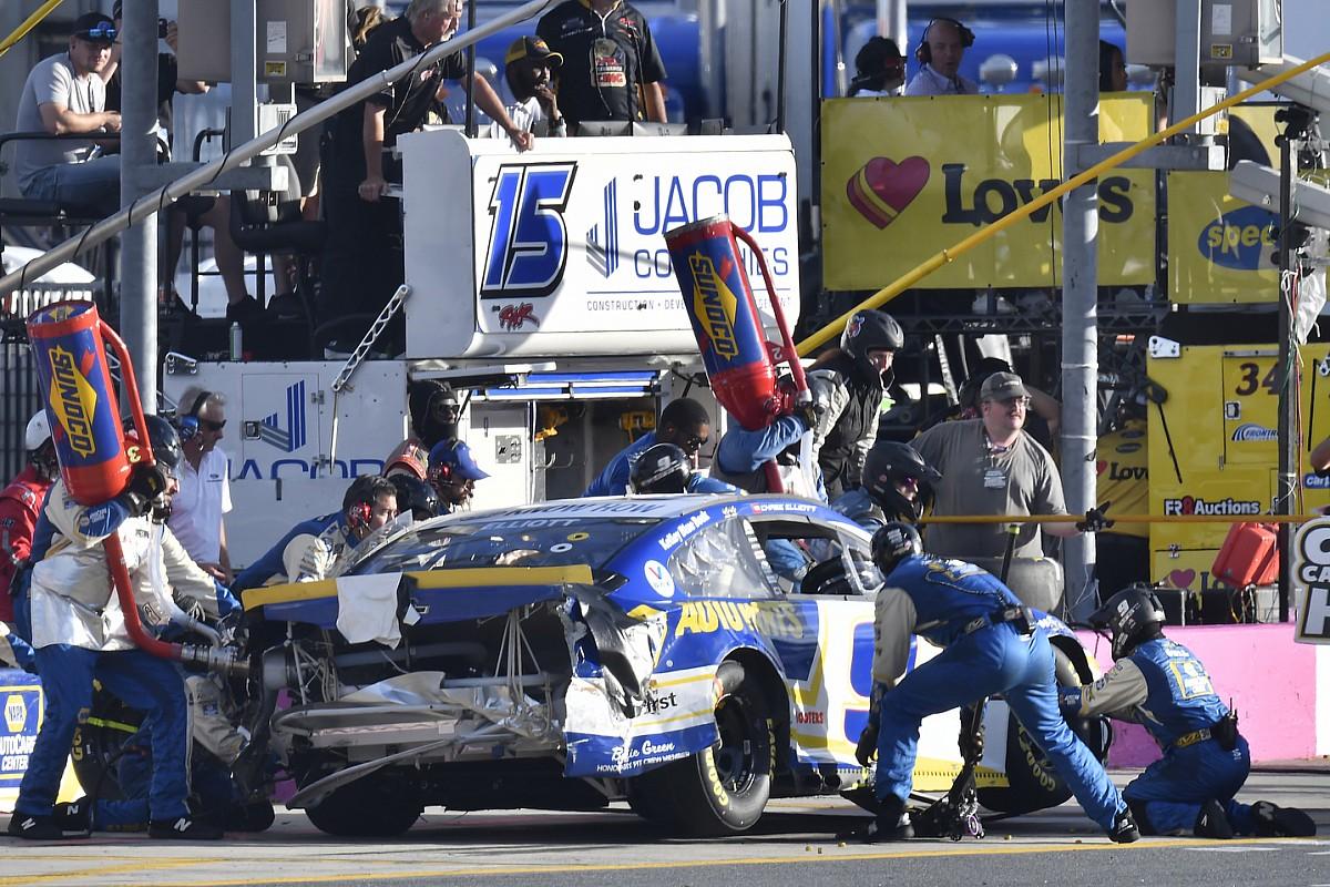 Why NASCAR's rationalization of no-call on Elliott bumper falls brief - Motor Informed