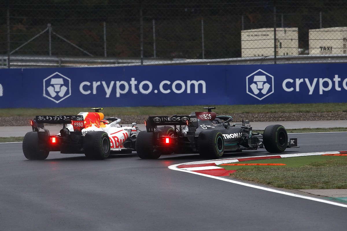 """Perez: Hamilton """"caught me at my worst time"""" in Turkey F1 duel - Motor Informed"""