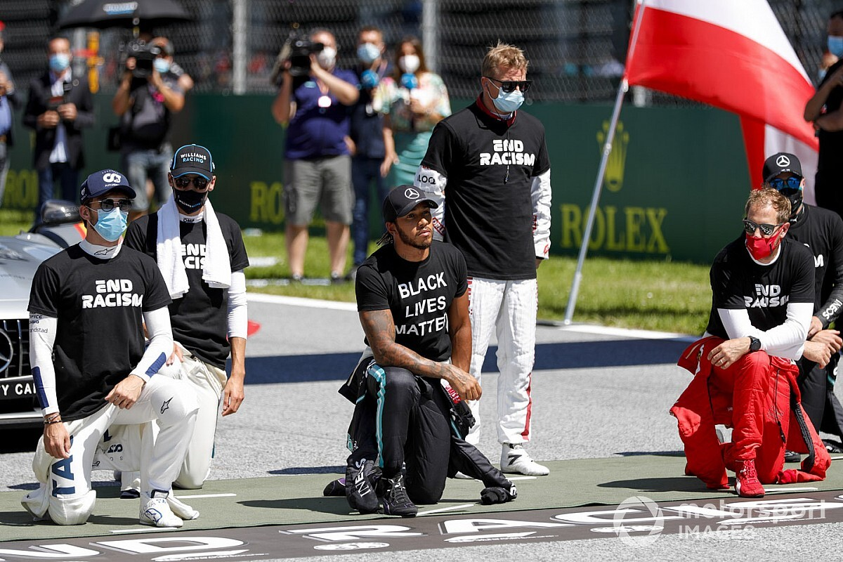 Hamilton will proceed to take the knee in F1 2021 - Motor Informed