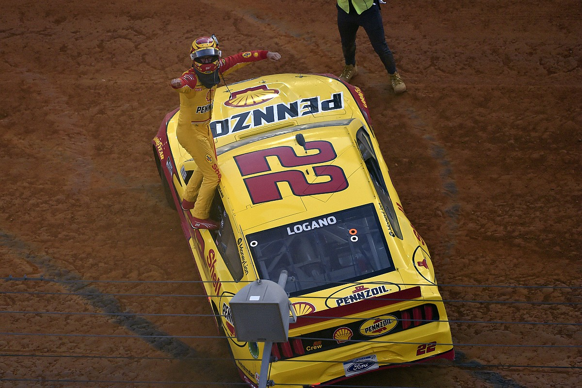 Logano claims NASCAR Cup win in extra time on Bristol grime monitor - Motor Informed