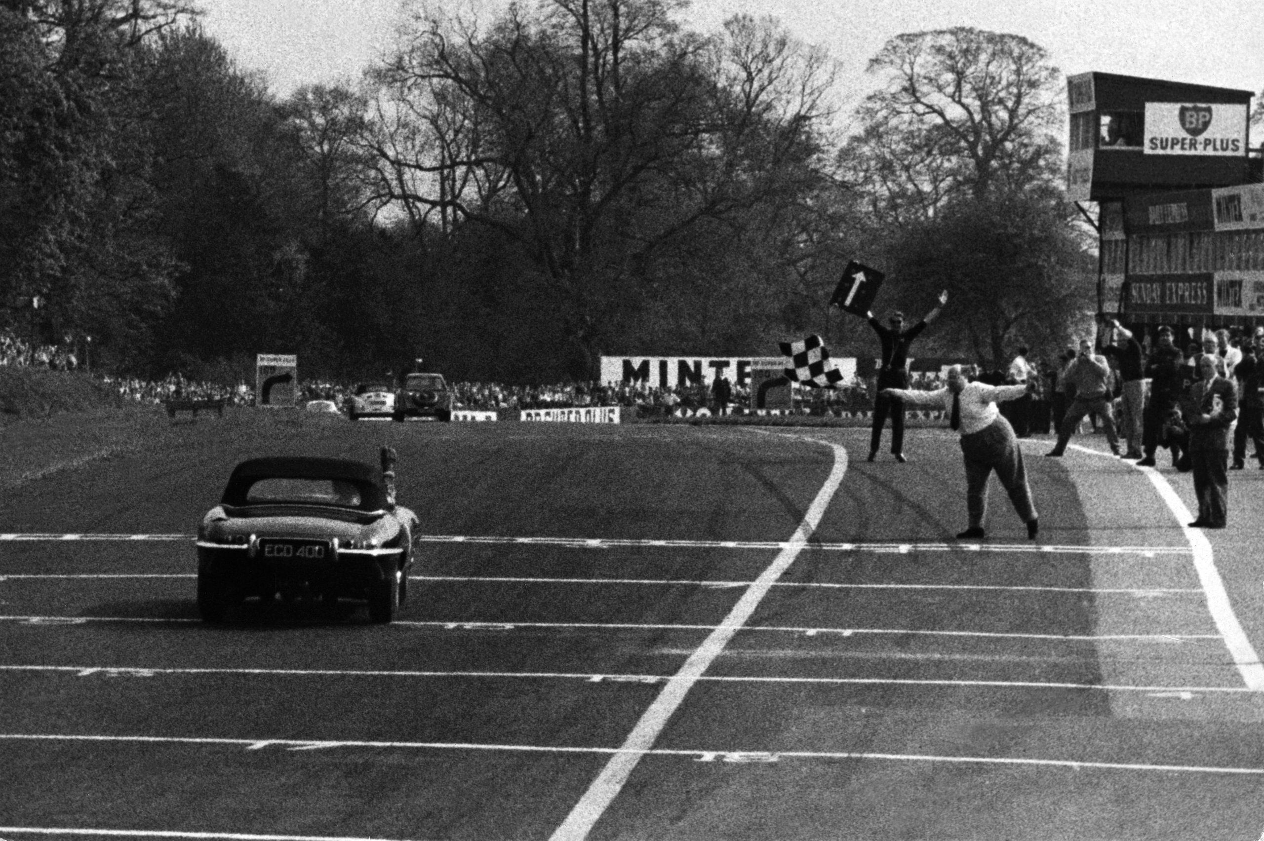 Graham Hill E-Type victory Oulton Park BARC 1961