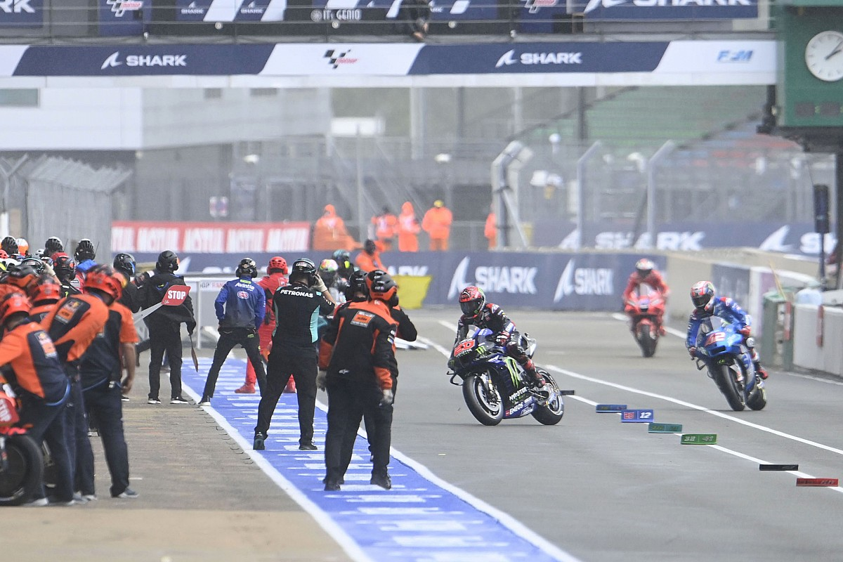 The flag-to-flag controversy, a sterile debate in MotoGP - Motor Informed