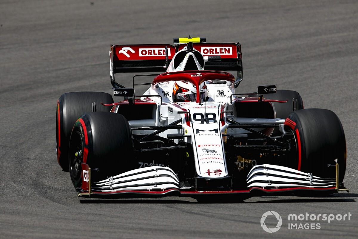 "Ilott explains ""wobbly"" helmet buffeting throughout F1 observe debut - Motor Informed"