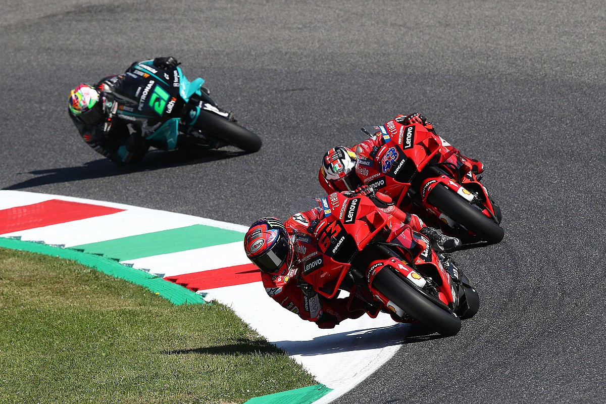 Italian MotoGP: Bagnaia on file tempo in FP3, Vinales crashes into Q1 - Motor Informed